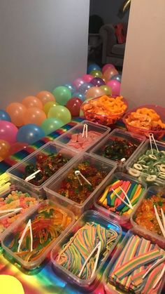 Easy DIY Movie Night Food Ideas at Home with the Kids- movie night candy - bi. - Easy DIY Movie Night Food Ideas at Home with the Kids- movie night candy – birthdayparty.dec…– Source by Sleepover Snacks, Fun Sleepover Ideas, Sleepover Birthday Parties, Birthday Party Snacks, Birthday Party For Teens, Snacks Für Party, Girl Sleepover, Party Ideas For Teenagers, 14th Birthday