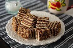 prajitura-cu-foi-si-crema-de-ciocolata-4 Waffles, Deserts, Breakfast, Cake, Food, Morning Coffee, Kuchen, Essen, Waffle