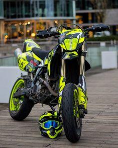 Pure Supermoto® Suzuki DR-Z - Supermoto - Ktm Supermoto, Supermoto Racing, Enduro Motocross, Motorcycle Dirt Bike, Futuristic Motorcycle, Ktm Dirt Bikes, Cool Dirt Bikes, Dirt Bike Gear, Triumph Motorcycles