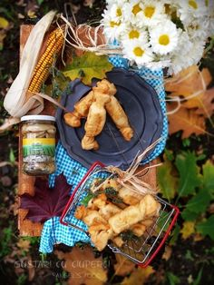 Gustari in forma de bomboane, umplute cu ciuperci, castane, nuci si cascaval