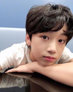 圖像裡可能有一或多人和特寫 My Little Baby, Little Boys, My Boys, Asian Boy Band, Things To Do With Boys, Asian Kids, Fandom, Popular Music, Electronic Music