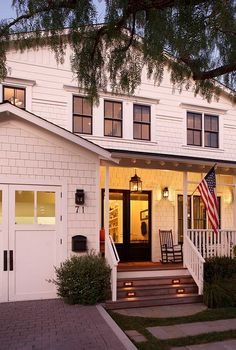 Peek Inside This West Coast Farmhouse That's Packed With Classic East Coast Style White Farmhouse, Modern Farmhouse, Farmhouse Style, Farmhouse Front, Carriage Style Garage Doors, Carriage House, East Coast Style, Small Porches, D House