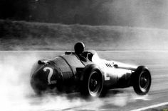 1957 Italian GP, Monza : Juan Manuel Fangio, Maserati 250F #2, Officine Alfieri Maserati, 2nd. (ph: taringa.net)