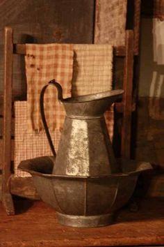 Primitive Vignette / Pewter wash bowl with pitcher. Prim Decor, Country Decor, Rustic Decor, Shabby, Primitive Gatherings, Antique Pewter, Country Primitive, Rustic Charm, Vintage Kitchen