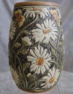 Oh MY... this is amazing! I LOVE daisies.. Weller Pottery Knifewood Vase.....daisies are a 'heart thing'