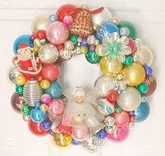 An entire blog devoted to vintage Christmas wreaths! Georgia Peachez