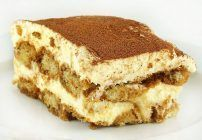 The Best Tiramisu you will ever have! (I use Kahlua as my coffee liqueur, i love a little rum in my tiramisu. I also add in vanilla, and a little bit of sugar into the whipped cream. I let the tiramisu set overnight, to really bring the favors Italian Desserts, Just Desserts, Delicious Desserts, Yummy Food, Italian Tiramisu, Italian Cake, Italian Coffee, Baking Recipes, Cake Recipes