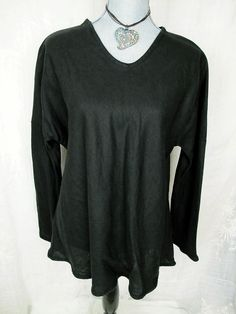 Cynthia Ashby Top Black Lagenlook Linen Art To Wear Boutique Shirt #linen#cynthiaashby#lagenlook#style#trend#arttowear#fashion#deal