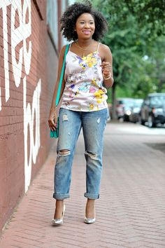 Floral Tank Boyfriend Jeans: This casual outfit is good for the weekend. Click for outfit details or pin for later to save it.