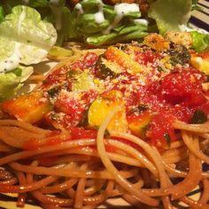 Whole Wheat Spaghetti with Spicy Zucchini-Tomato Sauce