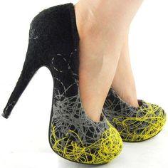 Yellow and black scribble platform shoe