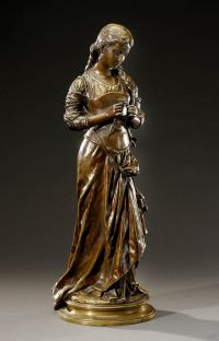 Art Sculpture, Bronze Sculpture, Art Nouveau, Statue En Bronze, Building Art, Objet D'art, Textile Artists, Types Of Art, Les Oeuvres