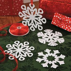 Snowflake Cut Outs with printable instructions.. just fold along the lines and cut.. perfect snowflakes everytime