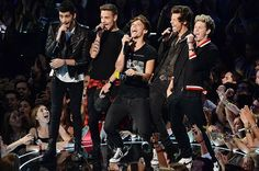 Four One Direction, One Direction Images, One Direction Wallpaper, One Direction Humor, One Direction Louis Tomlinson, Light Of My Life, 1d And 5sos, Larry, Cool Bands