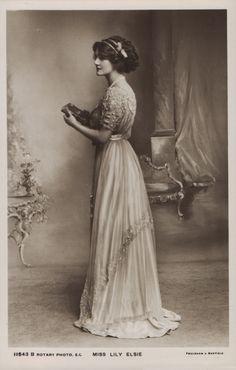 Miss Lily Elsie-Dress with details divine