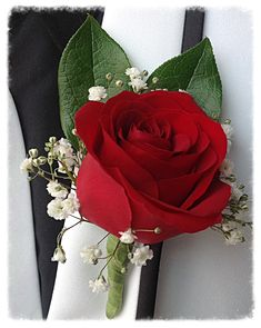 Red rose and baby's breath with a bit of greenery for guys Boutonnieres idea Red Corsages, Rose Corsage, Boquette Wedding, Red Bouquet Wedding, Red And White Roses, Red Roses, Red Rose Boutonniere, White Rose Bouquet, Prom Flowers