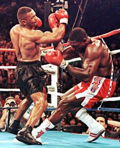 Mike Tyson - Data y Fotos Mma Boxing, Boxing Workout, Muay Thai, Boxe Mma, Boxe Fight, Mike Tyson Boxing, Boxing Images, Boxing Posters, Professional Boxing