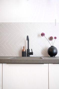 Kitchen Interior, New Kitchen, Kitchen Dining, Küchen Design, House Design, Bathroom Splashback, Ikea Kallax Regal, Design Your Life, Beautiful Kitchens