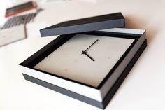 C-CLOCK Hochwertige Verpackungen der Wanduhr aus Carbonbeton - Carbon und Beton Clock, Wall Clocks, Packaging, Watch, Clocks