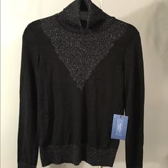 Simply Vera by Vera Wang light sweater NWT size M NWT Gorgeous Simply Vera light turtleneck sweater. Size M. Black and Silver. A tad bit sheer but not so much that something is needed underneath. So cute! Simply Vera Vera Wang Sweaters