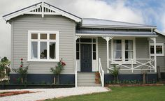 58 Exterior Paint Schemes For Bungalows - About-Ruth Exterior Paint Schemes, Exterior Paint Colors For House, Paint Colors For Home, Exterior Colors, Exterior Design, Dulux Paint Colours Nz, House Paint Colours, Queenslander House, Weatherboard House