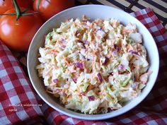 Kuchnia z widokiem na ogród: Colesław z kapusty pekińskiej. Popularna surówka o... B Food, Good Food, Yummy Food, Tasty, Polish Recipes, Polish Food, Coleslaw, Raw Food Recipes, Potato Salad