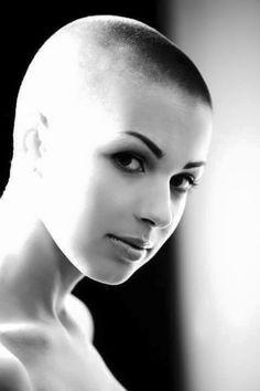 Shaved Hair Women, Shaved Hair Cuts, Short Hair Cuts, Short Hair Styles, Shaved Heads, Flat Top Haircut, Fade Haircut, Buzzcut Girl, Bald Head Women