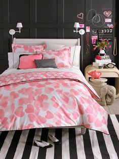Google Image Result for http://1.bp.blogspot.com/-PY5IDVXuRD0/Tv6j1blfsDI/AAAAAAAAAHs/Ti6iQuUBiZ8/s1600/teen-vogue-bedding-faded-heart-01.jpg