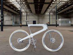 De EPO fiets is een aluminium lichtgewicht. Een mooi design en helemaal van Nederlandse bodem! Bekijk hem eventjes hier.