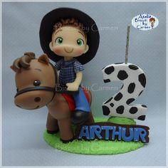 "382 Me gusta, 7 comentarios - Carmen Lúcia Jesus (@biscuitbycarmen) en Instagram: ""Vela para Topo de bolo, Fazendinha Encomenda enviada para Araraquara/SP . #biscuit #biscuitbycarmen…"" Cowboy Birthday, Farm Birthday, Birthday Parties, Horse Cake, Farm Theme, Pasta Flexible, Cakes For Boys, Air Dry Clay, Sugar Art"