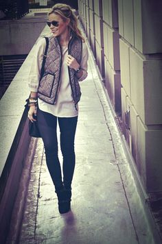 Happily Grey: Herringbone Vest- JCrew I want one ! Looks Chic, Looks Style, Fall Winter Outfits, Autumn Winter Fashion, Winter Style, Happily Grey, Fall Vest, Look Fashion, Womens Fashion