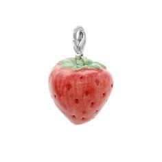 陶磁器製 イチゴ チャームSize: H2.0cm x W2.0cmWeight:8g ハンドメイド、手作り、手仕事品の通販・販売・購入ならCreema。