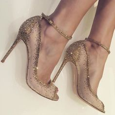 Sprinkling a little sparkle your way because we just had to share!! Everyday is…