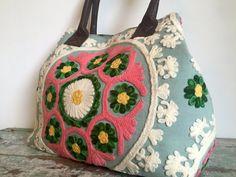 Embroidered handbag - summerhousenz.co.nz