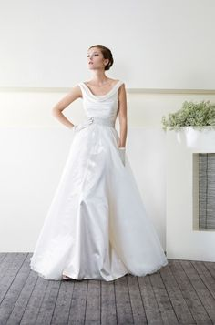 CieloBlu wedding dresses are full of harmony. The CieloBlu bridal collection is designed by two Italian wedding dresses designers. Bridal Gowns, Wedding Gowns, Wedding Day, Big Day, All Things, One Shoulder Wedding Dress, Marie, Pretty, Dress Ideas