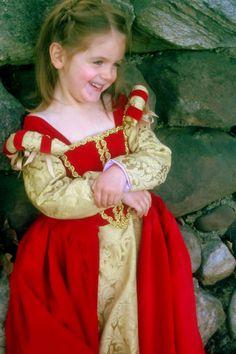 Aww, such a sweet renaissance princess