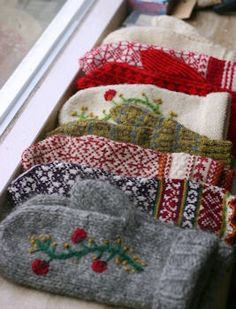 From Rachel - I have the sweaters if someone has a machine to help me sew these - DIY mittens from old sweaters.