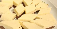 O prajitura dietetica interesanta si buna, cu un mod de preparare un pic ciudat dar foarte simplu.  Cu aceasta reteta termin lista de dul... Sweet Pastries, Deserts, Dessert Recipes, Cheese, Food, Dukan Diet, Sweets, Essen, Postres