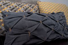 Homemade cushion  . . . great concealed zip tip here too