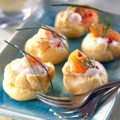 Petits choux farcis à la crème et au saumon