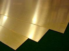 OROPEL Lámina de latón, muy batida y adelgazada que imita el oro.