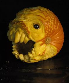 If you've never given any thought to where your Halloween pumpkin carving skills might take you, you might not have heard of Jon Neill, a famous sculptor and pumpkin carving master who creates some of the best Halloween pumpkin carvings we've ever seen. Scary Pumpkin Carving Patterns, Amazing Pumpkin Carving, Pumpkin Carvings, Carved Pumpkins, Scary Pumpkin Faces, Scary Halloween Pumpkins, Halloween Pics, Halloween Scene, Halloween 2019