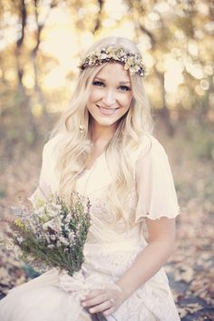 so in love with the bohemian wedding feel. gorgeous.