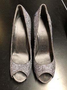 fc6b24e08ed Nine West Women s Gilded Silver Pump Size 10M Excellent Used Cond.  fashion   clothing
