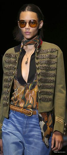 #MFW Gucci Spring Summer 2015 RTW - Pin courtesy of Tres Haute Diva.