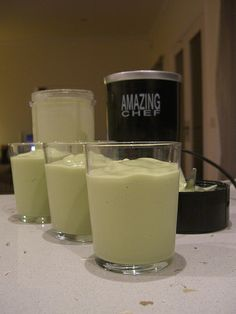 Low GI Shake, avacado, coconut milk, almond milk, stevia, vanilla