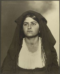 Italian woman at Ellis Island 1906