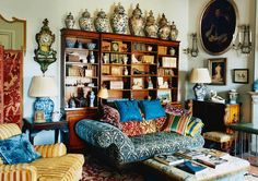 In the new April issue of The World of Interiors, Sue Townsend had long coveted a flat in Florence whose lofty loggia looked out over the city's sights. Now she has her prize, she's filled it with grand English antiques and Oriental lacquerware brought over from her Notting Hill home. Photography: Tim Beddow.
