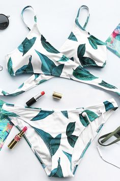 Cupshe Court And Spark Fresh Leaves Bikini Set