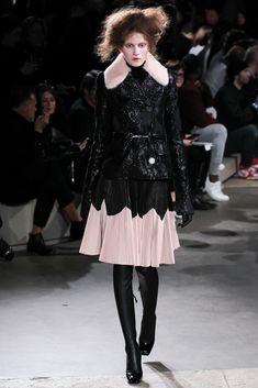 Alexander McQueen | Fall 2015 Ready-To-Wear Collection